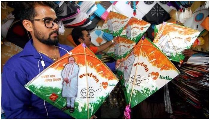 जम्मू-कश्मीर में भी बढ़ी पीएम मोदी की तस्वीरों वाली पतंगों की मांग