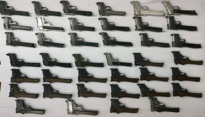 मालदा में हथियार फैक्ट्री का भंडाफोड़, 48 हथियार जब्त