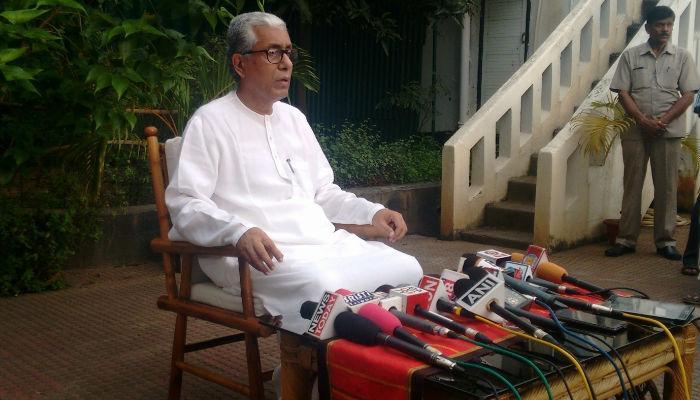 प्रसार भारती की सेंसरशिप पर भड़के माणिक सरकार, केंद्र पर साधा निशाना, बीजेपी ने किया बचाव