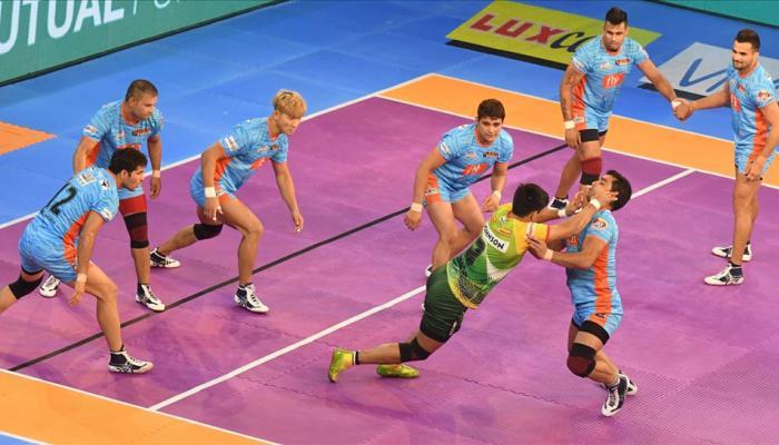 प्रो कबड्डी लीग: आखिरी 5 मिनट में बंगाल वॉरियर्स ने मारी बाजी, पटना पाइरेट्स को हराया