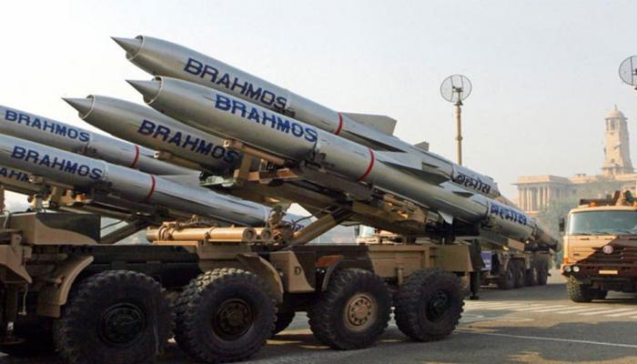 भारत को लड़ाकू विमानों, टैंकोंं के निर्माण के लिए 10 साल में 150 अरब डॉलर की दरकार: DRDO वैज्ञानिक डॉ सुधीर मिश्रा