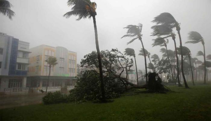 फ्लोरिडा में इरमा तूफान हुआ कमजोर लेकिन खतरा अभी टला नहीं