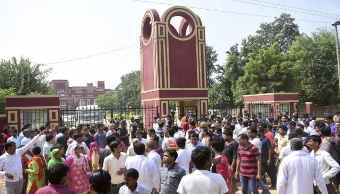 लखनऊ के सभी स्कूलों में बस चालकों और परिचालकों का पुलिस सत्यापन जरूरी