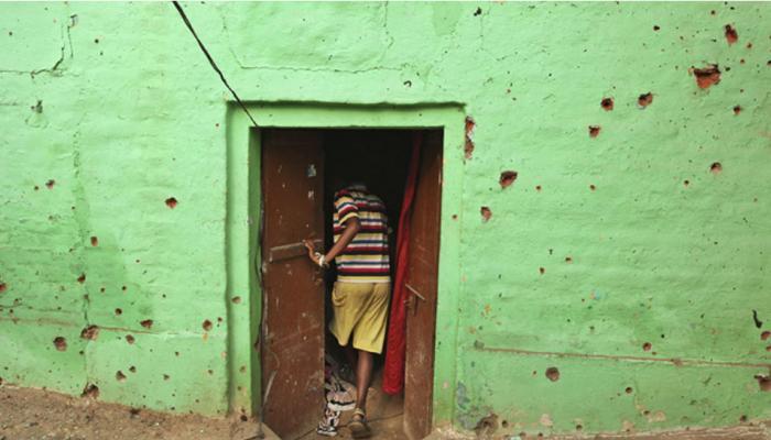 पाकिस्तानी गोलाबारी के कारण सीमा पर 10 हजार लोगों को छोड़ना पड़ा घर