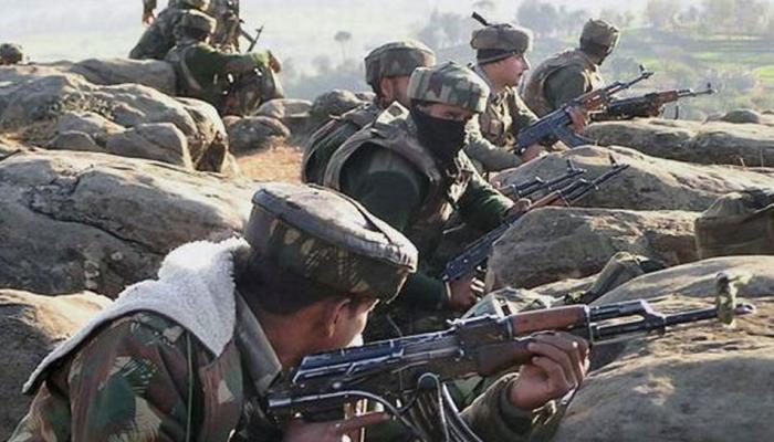जम्मू कश्मीर: जोरावर इलाके में मारा गया एक आतंकी, 4 के छुपे होने की आशंका