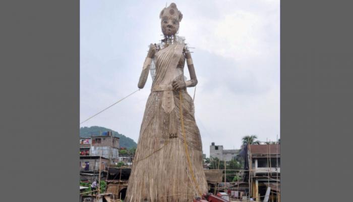 बांस से बनी मां दुर्गा की 101 फुट ऊंची प्रतिमा, गिनीज रिकॉर्ड के लिए दावा