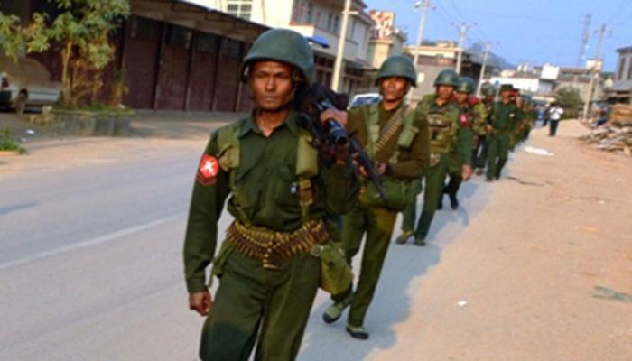 रोहिंग्या आतंकियों ने रखाइन प्रांत में घरों में आग लगाई : म्यांमार सेना प्रमुख कार्यालय