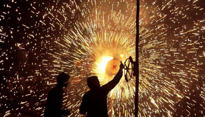 प्रदूषण फैलाने वाले पटाखों पर ही रोक लगाई जाए : संघ