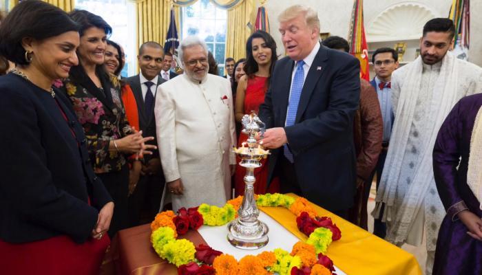 VIDEO: पहली बार ट्रंप ने व्हाइट हाउस में मनाई दिवाली,कहा- भारत हिन्दू धर्म का घर