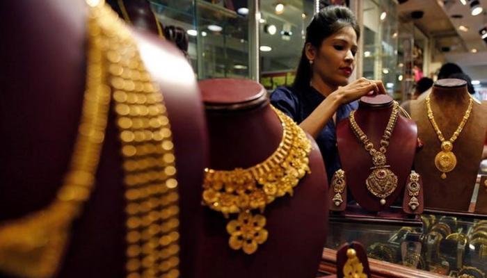 दिवाली की मांग से सोना 31000 रुपये पर, चांदी की चमक भी बरकरार