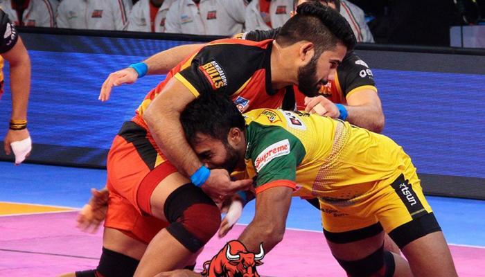 प्रो कबड्डी लीग: बेंगलुरु बुल्स ने अपने आखिरी मैच में पटना पाइरेट्स से खेला ड्रॉ