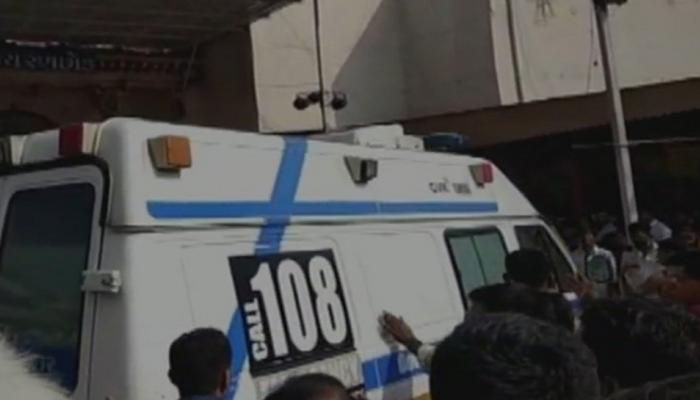 गुजरात: मंदिर में अन्नकूट कार्यक्रम के दौरान भगदड़, दो की मौत