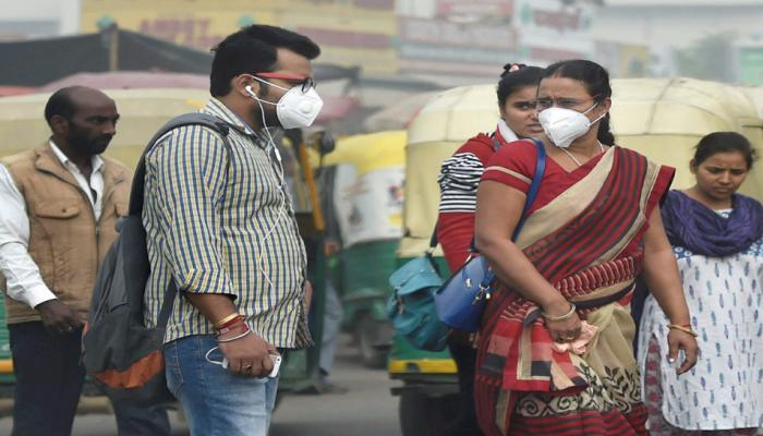 दिल्ली में प्रदूषण आपात स्थिति के करीब, हवा जहरीली हुई