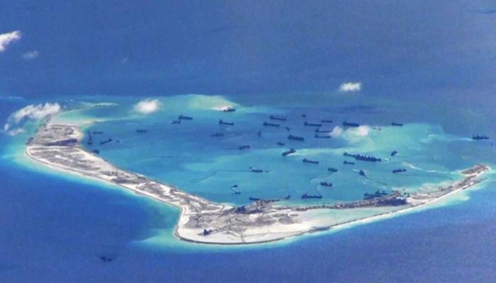 दक्षिण चीन सागर: चीन के विरोध के बाद फिलीपीन ने टाला टकराव, टापू पर कर रहा था निर्माण