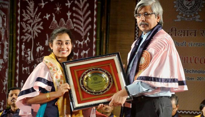 दीपा करमाकर को मिली डी लिट की उपाधि