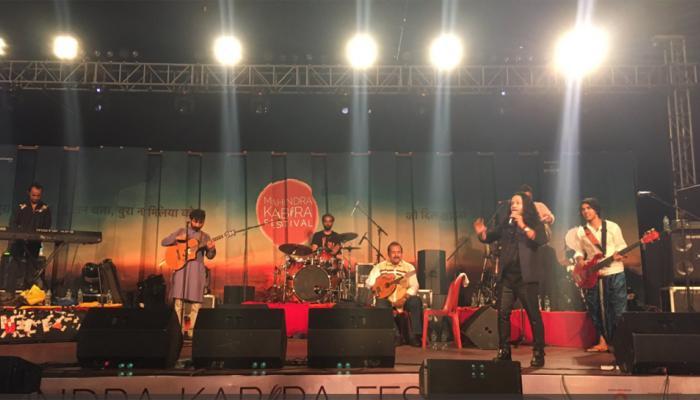 वाराणसी: गंगा तट पर कैलाश खेर हुए कबीरमय, कहा- कबीर सच के साधक