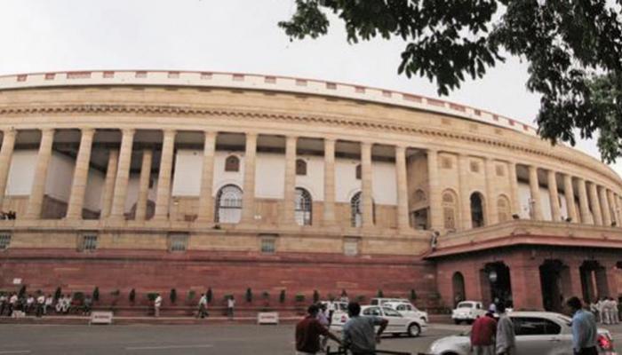 संसद के शीतकालीन सत्र के बारे में फैसला कैबिनेट समिति करेगी : रविशंकर प्रसाद