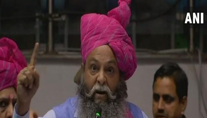 पद्मावती विवाद: हरियाणा बीजेपी नेता ने दीपिका का सिर काटने वाले को 10 करोड़ देने का किया ऐलान