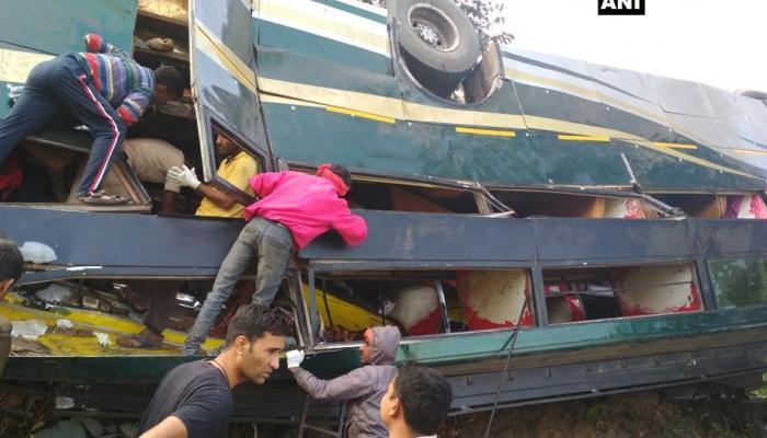 छत्तीसगढ़ में बस के खाई में गिरने से पांच लोगों की मौत, 35 घायल