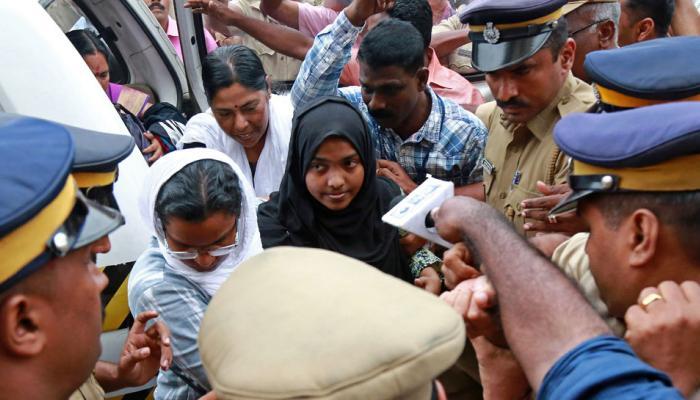 केरल 'लव जिहाद' केस: हादिया बोलीं- पति से मिलना है, SC ने पढ़ाई के लिए कॉलेज भेजा