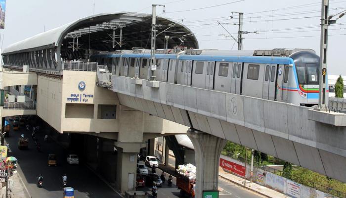 PICS : Why Hyderabad Metro is more special then delhi Metro