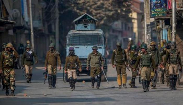 कश्मीर में आतंकवादियों ने बारामूला में थाने पर फेंका हथगोला