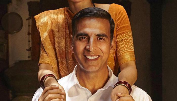 Padman's New Poster: अक्षय कुमार ने अपनी REEL WIFE से मिलवाया