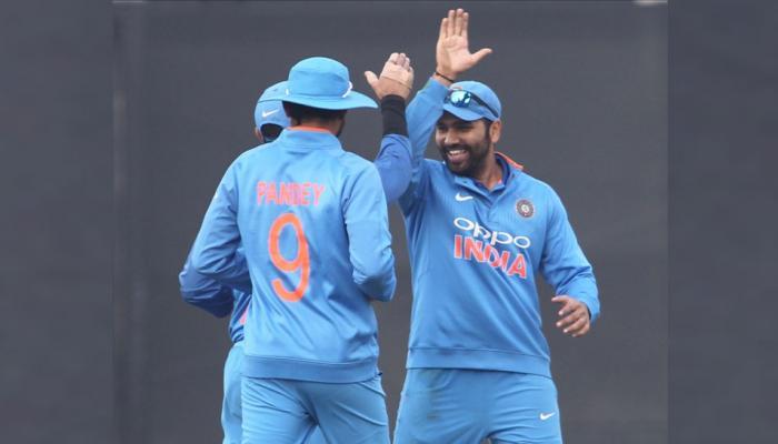 रोहित के 'डबल' के साथ टीम इंडिया ने लगा दिया '300 का सैकड़ा', धोनी हैं शहंशाह