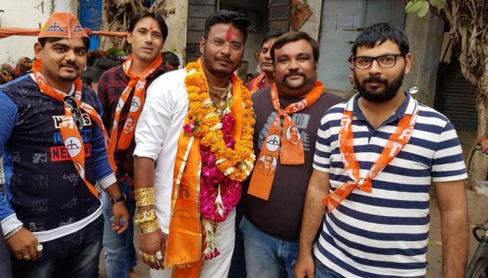 Gujarat elections 2017: इस प्रत्याशी ने 50 तोला सोना पहनकर किया था प्रचार, जमानत हुई जब्त
