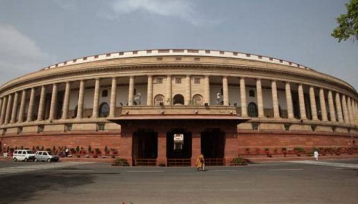 मनमोहन सिंह के मुद्दे पर कांग्रेस ने की पीएम से माफी की मांग, सदन 2 बजे तक स्थागित