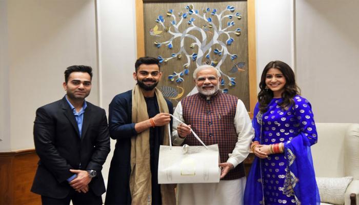 VIDEO: जब विरुष्का से मिले पीएम मोदी, कुछ यूं दी शादी की बधाई