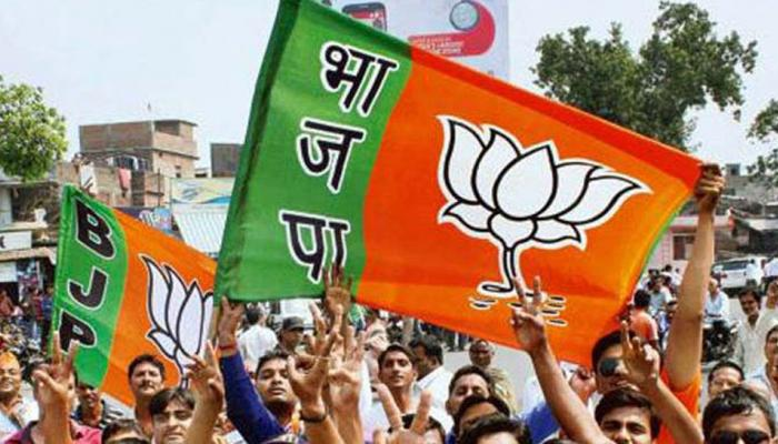 गुजरात में पूरा हुआ BJP का शतक, ऐसे बाहर आई पार्टी 99 के फेर से