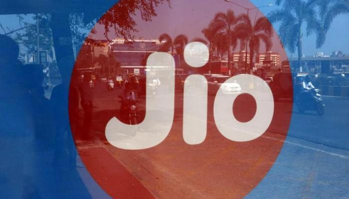 रिलायंस Jio का डबल धमाका, जानिए क्या है 'हैप्पी न्यू ईयर 2018 प्लान' में खास