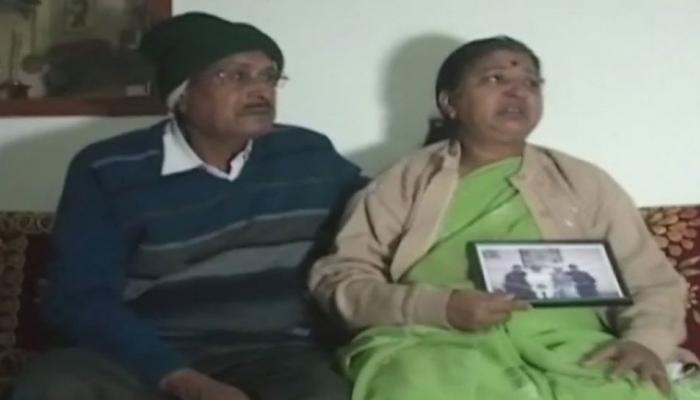 शहीदों घरों में मातमः बिलखती मां बोलीं-'बेटे ने अगले साल आने का किया था वादा, अब वो साल कभी नहीं आएगा'