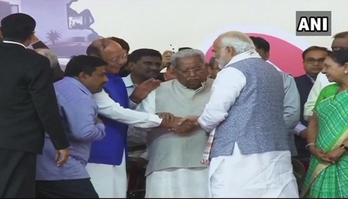 गुजरात: ये तीन पूर्व CM चुनाव में तो नहीं दिखे, लेकिन शपथ ग्रहण समारोह में मंच पर दिखे