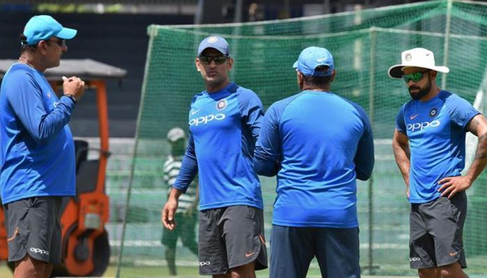 शास्त्री ने इशारों में 4 साल पुरानी टीम इंडिया पर कसा तंज, धोनी समर्थक हो सकते हैं नाराज