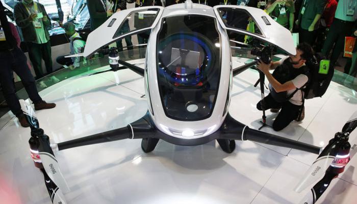'आईआईटी छात्र बनाएं यात्रियों के लिए ड्रोन, तभी सड़कों से हटेगी भीड़'