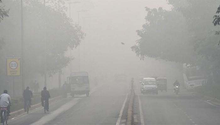 दिल्ली में नए साल के दूसरे दिन भी प्रदूषण का स्तर बढ़ा, हवा की गुणवत्ता 'बहुत खराब'