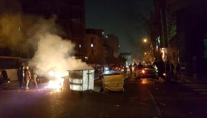 ईरान में हिंसक हुआ प्रदर्शन, कम से कम 13 लोगों की मौत, राष्ट्रपति हसन रुहानी की चेतावनी