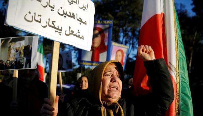 ईरान प्रदर्शनों में अबतक 22 की मौत, सर्वोच्च नेता खामेनेई ने 'दुश्मनों' को लिया निशाने पर
