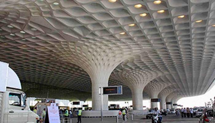 महाराष्ट्र बंद: मुंबई एयरपोर्ट पर 12 उड़ानें रद्द, 235 में देरी