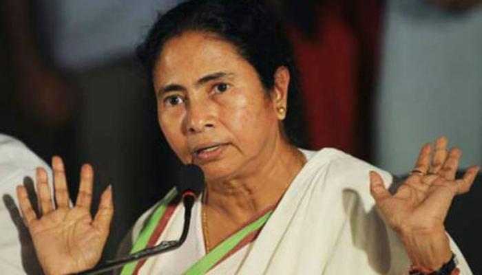 गणतंत्र दिवस परेड में बंगाल की झांकी शामिल नहीं करने पर मोदी सरकार पर बरसीं ममता