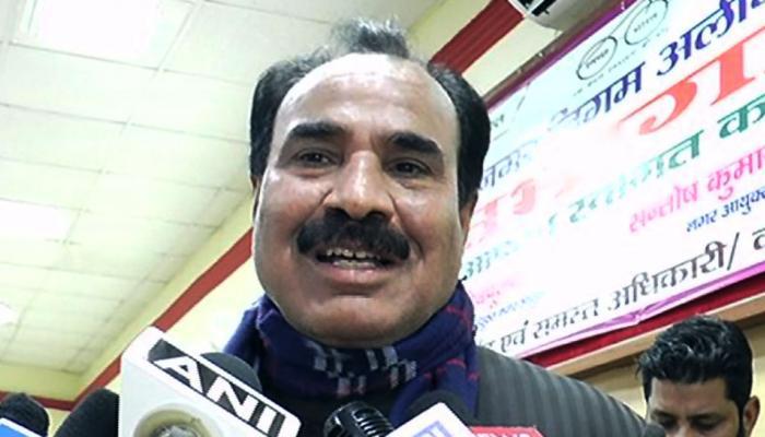 अलीगढ़ मेयर मोहम्मद फुरकान बोले- मुझे राष्ट्रगान याद नहीं है लेकिन मैं सम्मान करता हूं