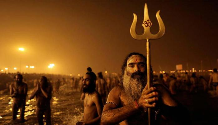 makar sankranti celebration in the country devotees taking holy dip in ganga at allahabad