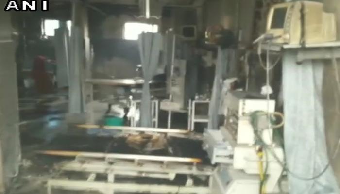 बरेली : अस्पताल के ICU में आग लगने से दो महिला मरीजों की मौत, जांच के आदेश