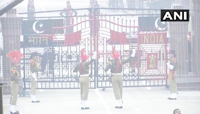 गणतंत्र दिवस: बीटिंग रिट्रीट में भारत ने पाकिस्तान को नहीं दी मिठाई, दिया ये संदेश