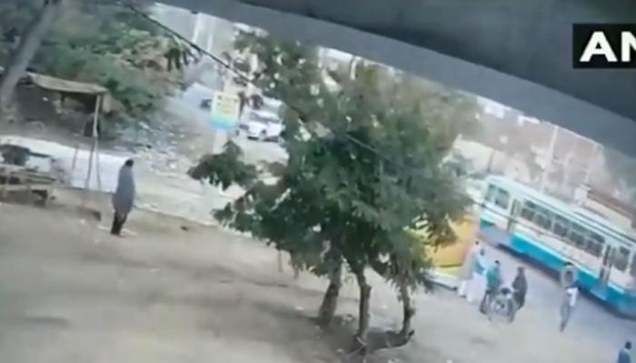VIDEO : गुरुग्राम में इस तरह 'पद्मावत' के विरोध में रोडवेज बस बनी थी निशाना
