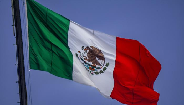 मेक्सिको: ट्रक के अंदर ले जाए जा रहे थे 109 प्रवासी, हालत देख चौंक गए अधिकारी