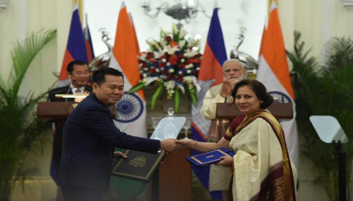 भारत और कंबोडिया रक्षा संबंध को करेंगे मजबूत, चार समझौते पर किए गए हस्ताक्षर
