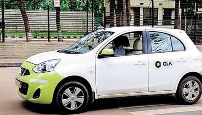 Top news of hindi and english newspaper Ola cab driver run away with moneyof passenger